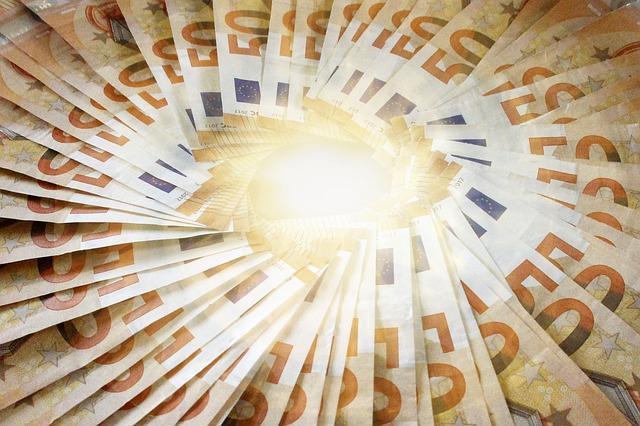 zářící peníze